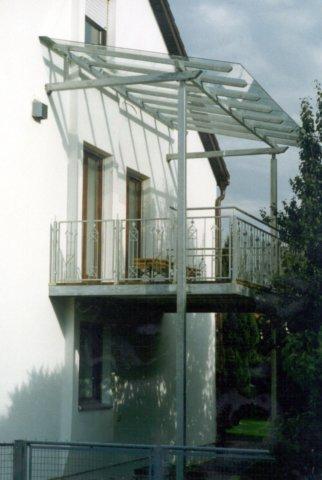 balkon mit berdachung. Black Bedroom Furniture Sets. Home Design Ideas
